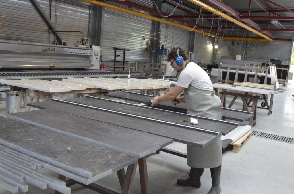Façonnage du marbre dans notre atelier
